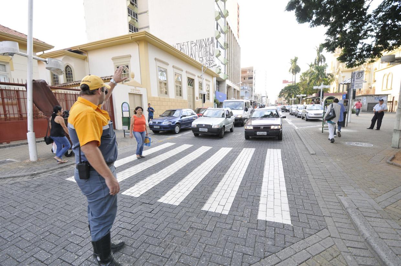 3b86b3c369f Desfile dos blocos de Carnaval altera trânsito na cidade