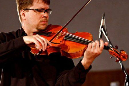 Premiado violista Renato Bandel