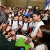 Crianças e adolescentes acompanham explicação de experimento durante a edição do ano passado dos Science Days