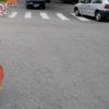 Rua com placa de proibido seguir