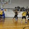 Atletas jogam basquete em quadra do Complexo Esportivo Dr Nicolino de Luca