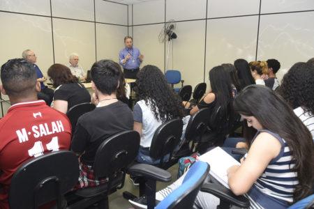 Estudantes participam de encontro na Incubadora de Empresas