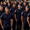 Guardas municipais alinhados