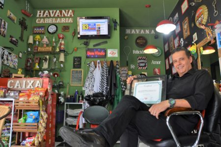 Barbearia de Cadu, ex-aluno do Fundo Social