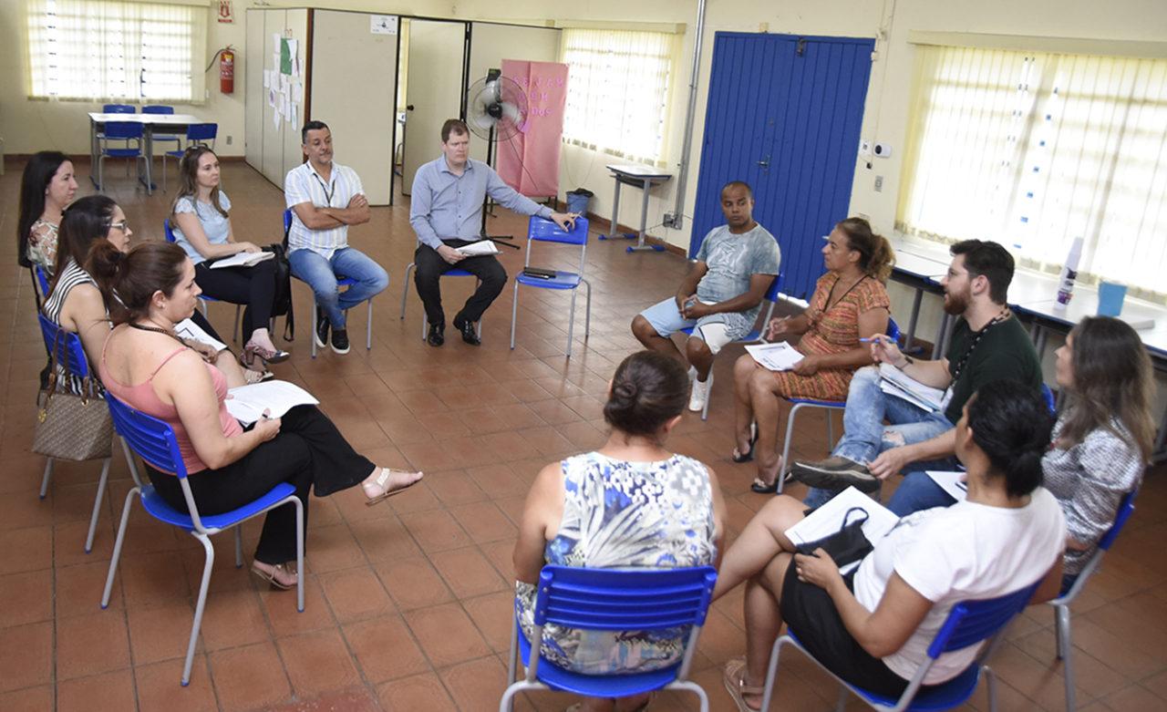 """Reunião sobre o """"Rua de Lazer"""" ocorreu nesta quinta (31) na Casa Azul, no Jardim Fepasa"""