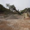 Resultados do reaproveitamento são pilhas de pedriscos, areia e pedras