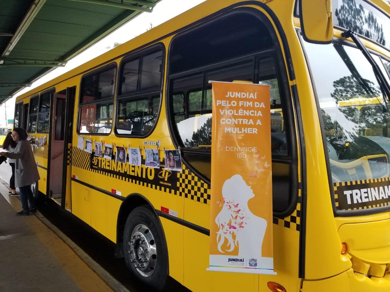 Ônibus de treinamento estará nos terminais para a exibição de vídeo sobre violência contra a mulher