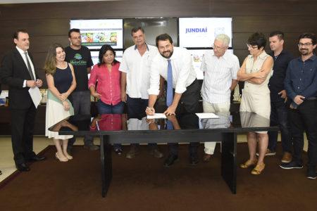 Prefeito Luiz Fernando Machado assina convênio com a OSC Associação Mata Ciliar