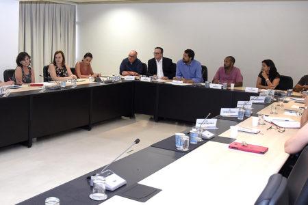 Experiências e ideias foram trocadas nesta segunda entre o prefeito Luiz Fernando, moradores do São Camilo e especialistas de diversas áreas