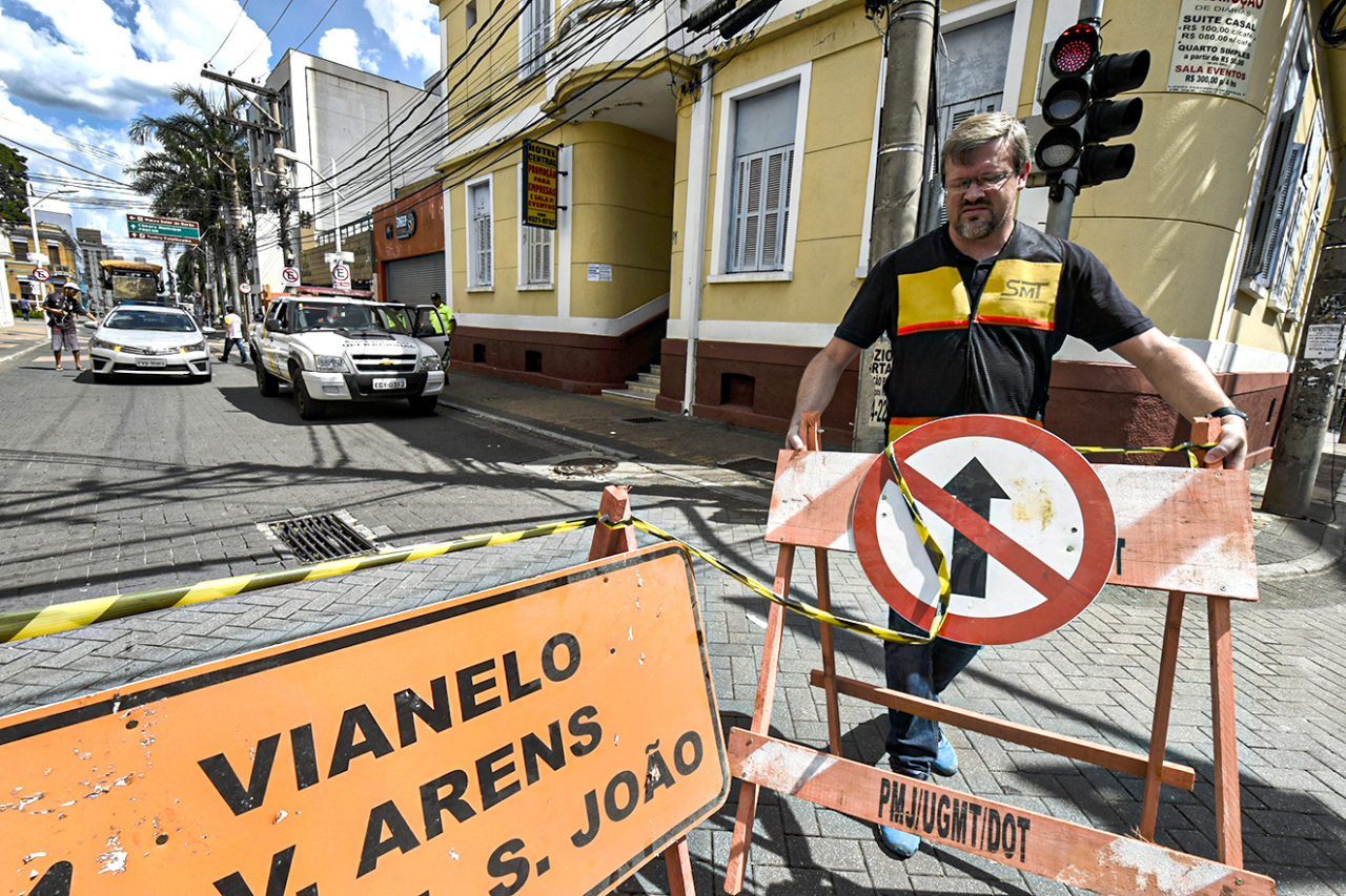 Agentes de trânsito estão à disposição para tirar dúvidas e orientar o público
