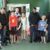 Crianças que fazem tratamento no HU gostaram da visita dos GMs e dos cães da Corporação