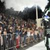 Público aplaude robô que jogou fumaça