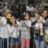 Famílias inteiras prestigiaram desfile da União do Povo