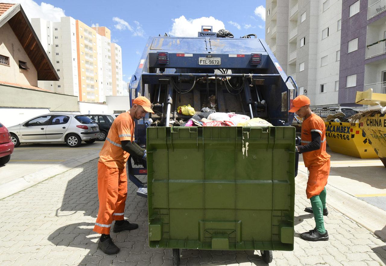 Contêineres foram instalados pela Prefeitura em várias ruas e avenidas de Jundiaí