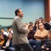Professor Felipe Amorim falou para estudantes e cientistas da pesquisa feita em 2019 na Serra do Japi