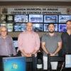 Daniel Basson (esq.), Jacó, Ricardo e João Pedro estiveram na Central de Monitoramento da GM de Jundiaí