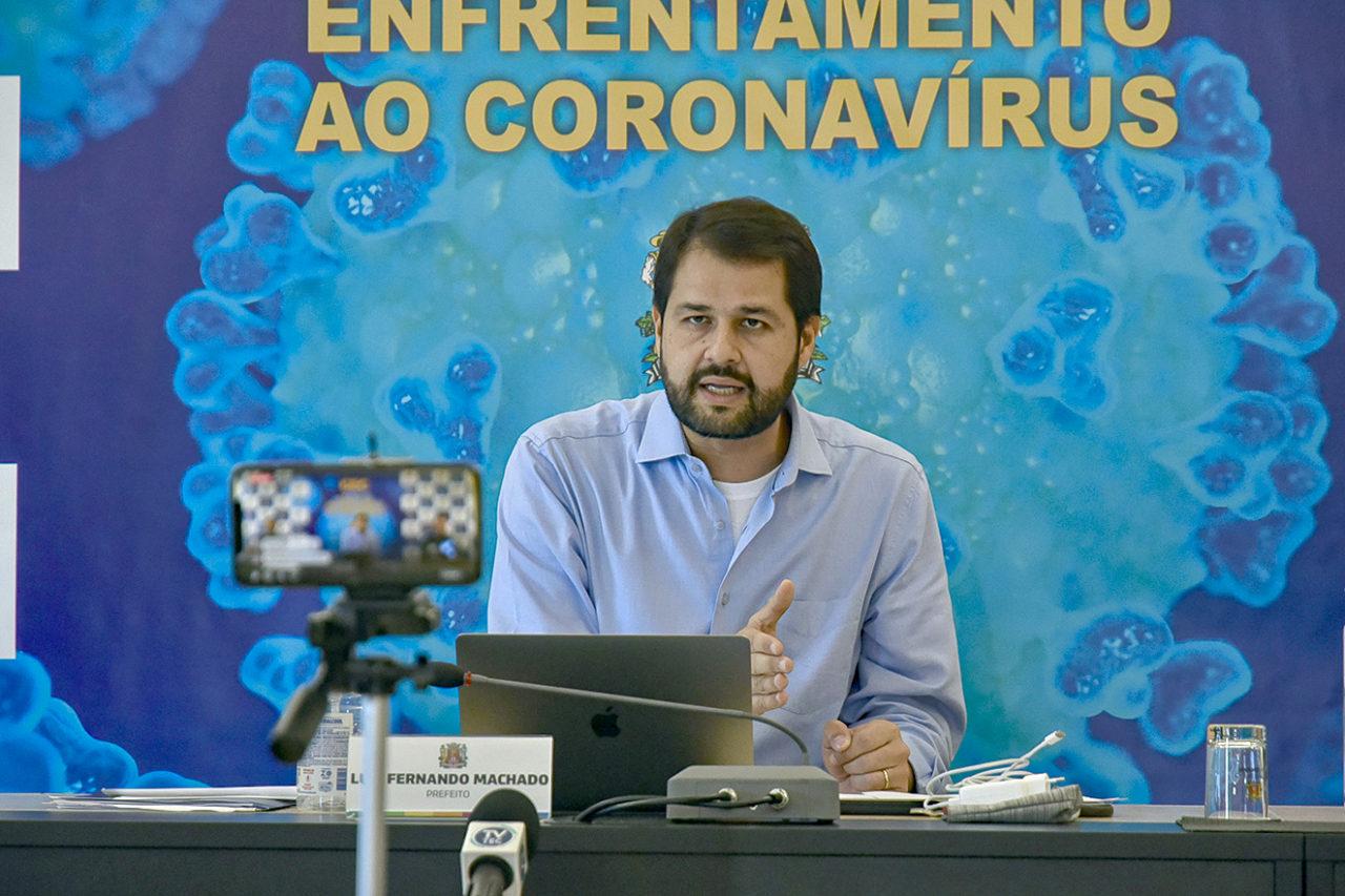 """""""O fim do isolamento neste instante pode gerar uma segunda onda de contaminação"""", disse o prefeito Luiz Fernando"""