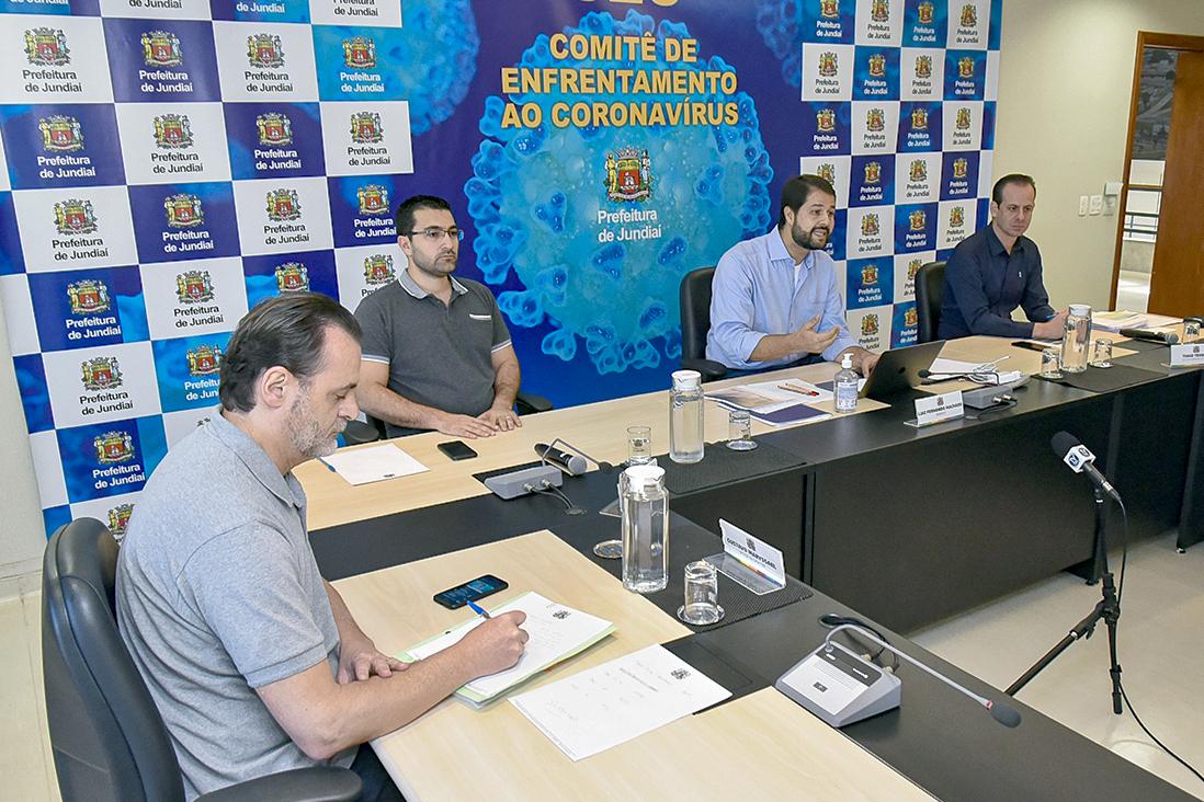 Prefeito Luiz Fernando faz transmissão ao vivo para falar de medidas de combate à COVID-19