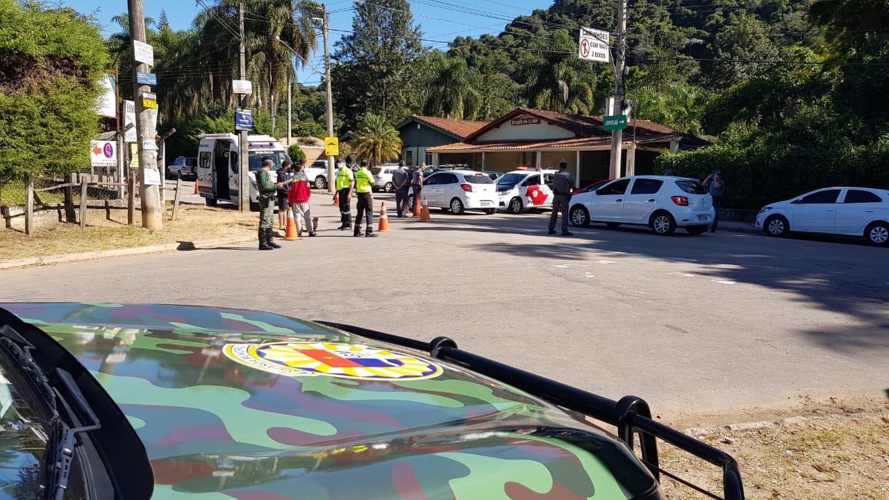 No Santa Clara, Guarda e PM alertaram as pessoas para que mantenham o distanciamento social
