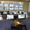 Trabalho de monitoramento por câmeras é feito no CCO, na sede da GM de Jundiaí