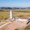 O reservatório integra um conjunto de quatro novos em implantação na cidade (Cecap, já entregue, Jardim Carlos Gomes e Estação de Tratamento de Água do Anhangabaú, ambos em obras), além da reforma do R13, no Distrito Industrial