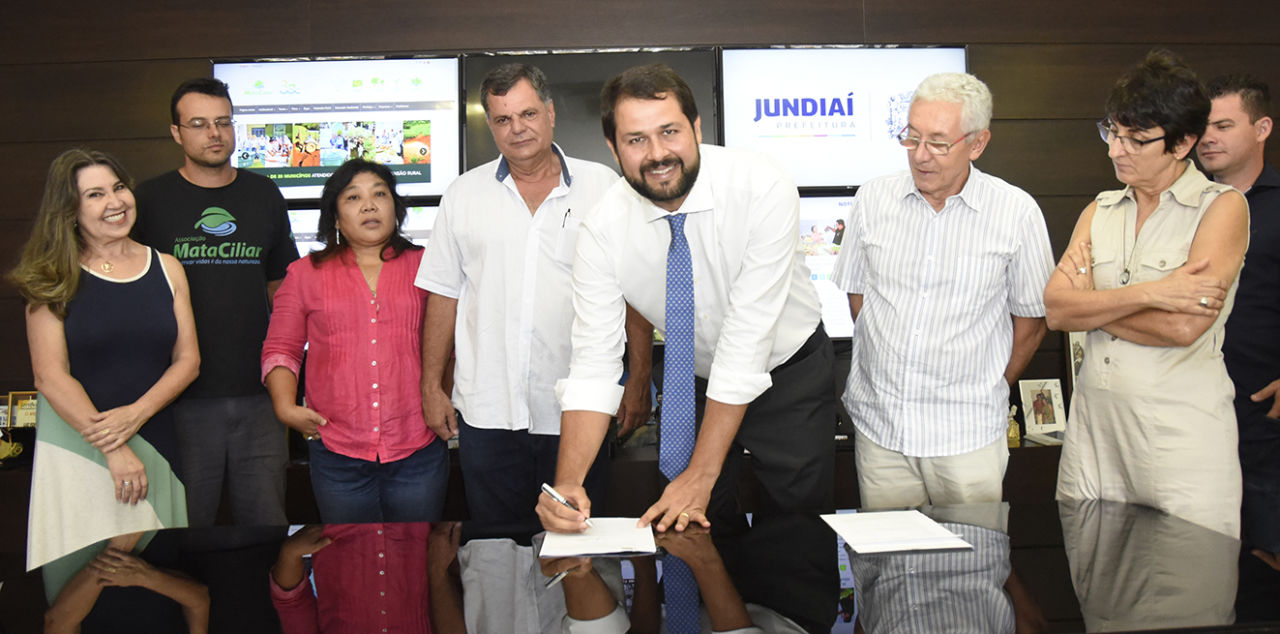 Prefeito Luiz Fernando Machado assinou em janeiro novo convênio com a OSC Associação Mata Ciliar