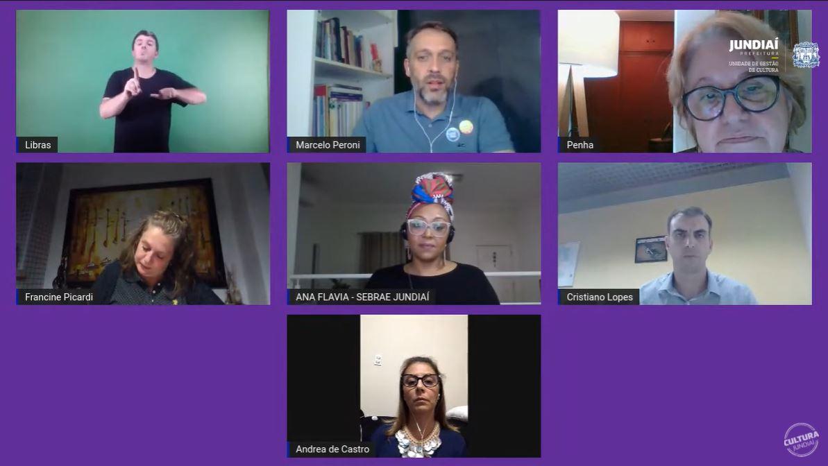 Mosaico de sete telas de pessoas em videoconferência